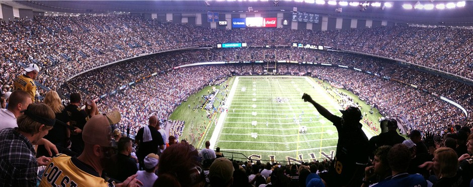 NFL Fans_CreativeCommons_3916946569_4d00000e96_b